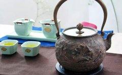 秦汉胡同教育跟着秦汉胡同老师一起学习泡茶技巧吧!